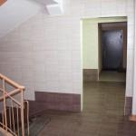 Ремонт подъезда (облицовка стен и полов керамогранитом)